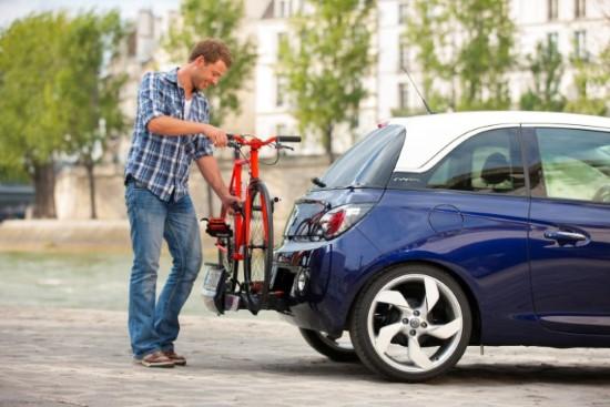 Опель Адам самый маленький среди моделей Opel
