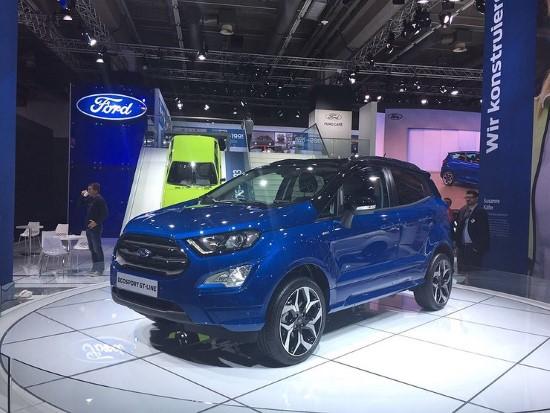 Фото Ford Ecosport 2017 на автосалоне во Франкфурте.