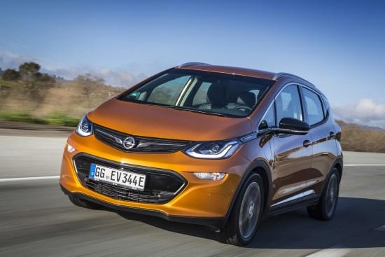 По длине электрокар Opel Ampera-e чуть больше четырех метров.