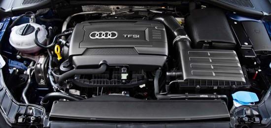 Фото двигателя модели полученной на тест-драйв Ауди Q3.