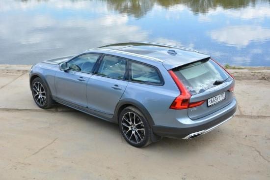 О первых Volvo V90 Cross Country отзывы уже поступили, причем не всегда они восторженные.