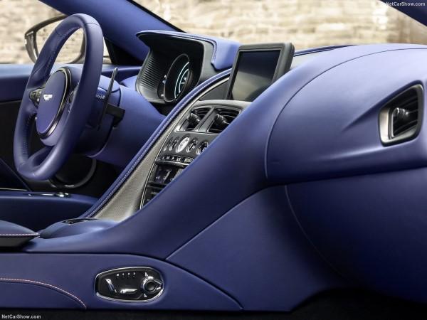 Aston Martin DB11 2018, тест-драйв и обзор, фото и видео, цена и технические характеристики