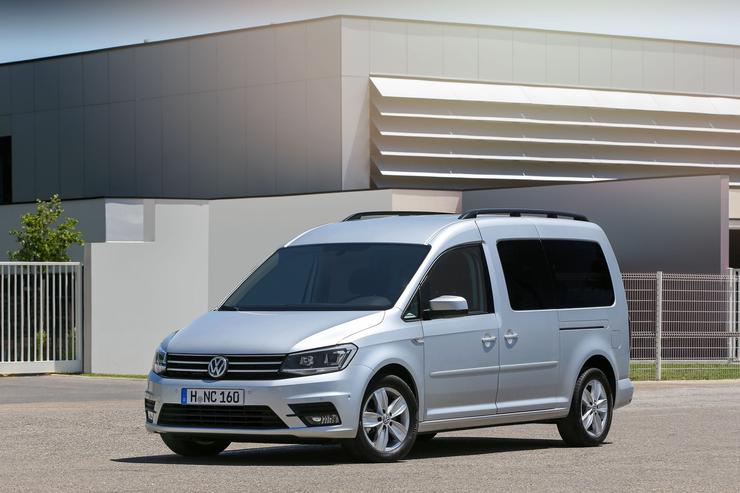 Фото автофургона Volkswagen Caddy Maxi - вид справа.