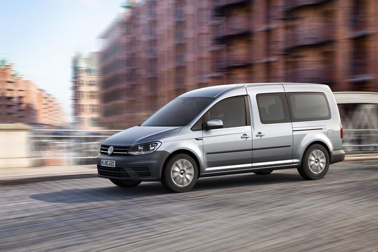 Фото обновленного автофургона Volkswagen Caddy Maxi.