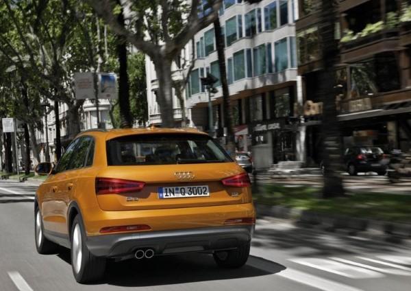 Фото задней оптики обновленного Audi Q3.