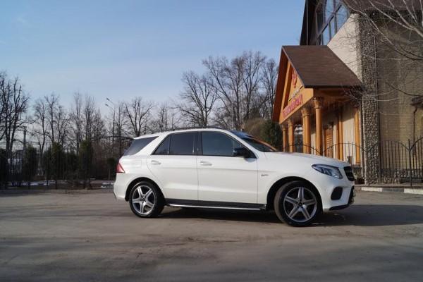 Фото Mercedes-AMG GLE 43 4matic SUV - вид сбоку.