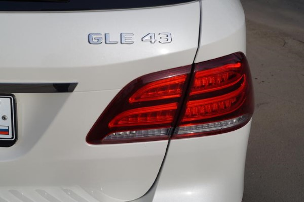 Задняя оптика Mercedes-AMG GLE 43 4matic.
