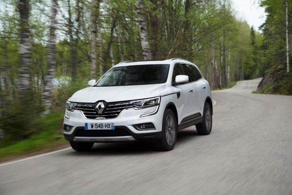 Фото Renault Koleos - вид спереди.