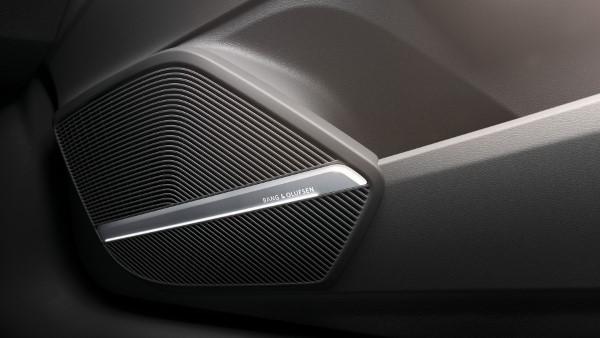 Audi Q5 - автомобиль премиальный.
