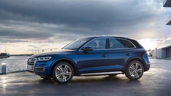 Фото Audi Q5 - вид сбоку.
