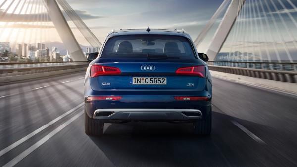 Фото Audi Q5 - вид сзади.