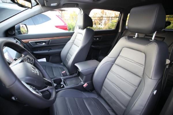 Фото водительского сиденья Honda CR-V - вид сбоку.