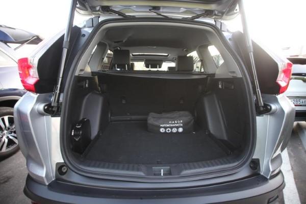 Фото багажника Honda CR-V.