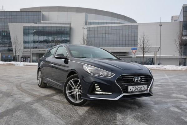 Новая Hyundai Sonata предназначена для спокойной размеренной езды.