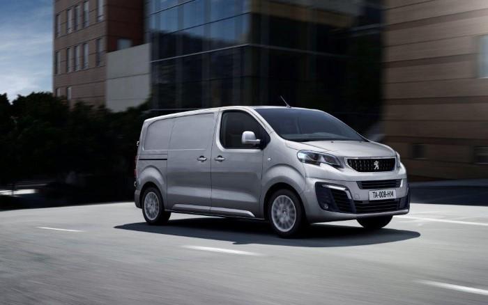 Автофургон Peugeot Expert - вид сбоку.