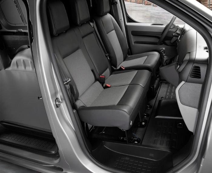 Фото сидений Peugeot Expert.