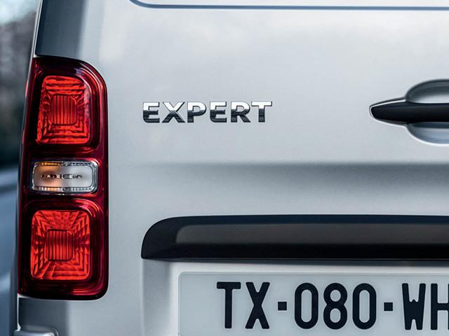 Фото задней фары Peugeot Expert.