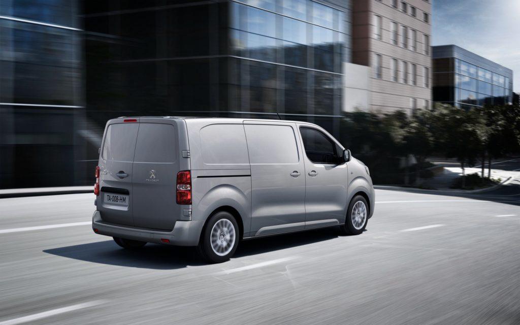 Фото Peugeot Expert - вид сзади.