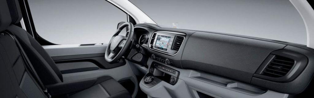 Фото передней панели Peugeot Expert.