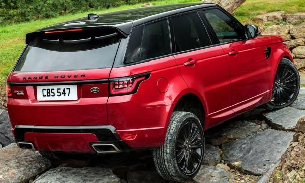 Фото Range Rover Sport на бездорожье.