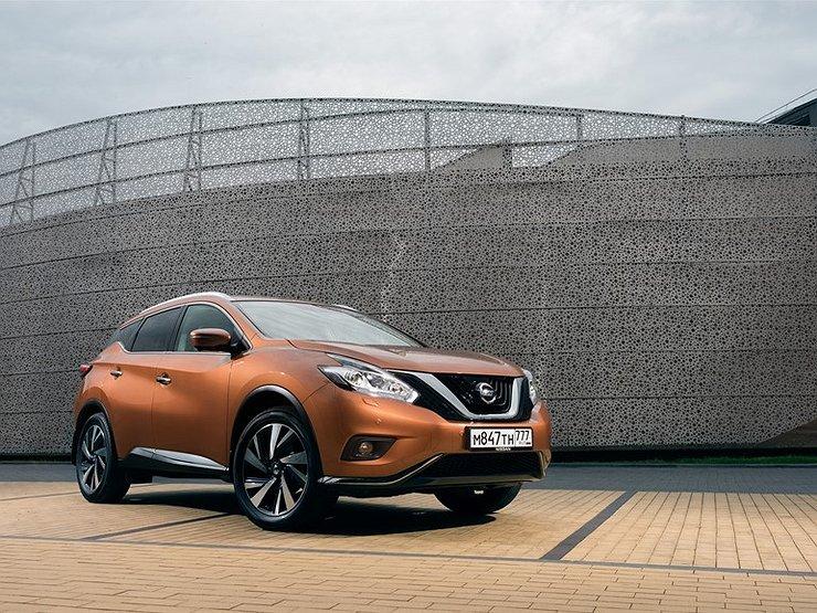 Фото Nissan Murano - вид слева.
