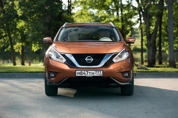 Фото Nissan Murano - вид спереди.